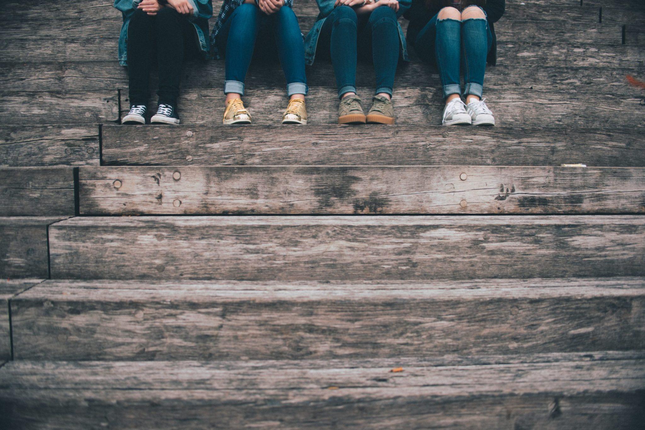 unite-sitting-feet